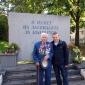 Пред паметника в памет на загиналите във Владайското въстаниеу 1918