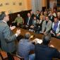 Публиката от владайци внимателно слуша речта на президента